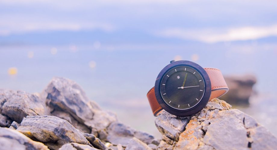 A Guide to Choosing a Perfect Outdoor Watch