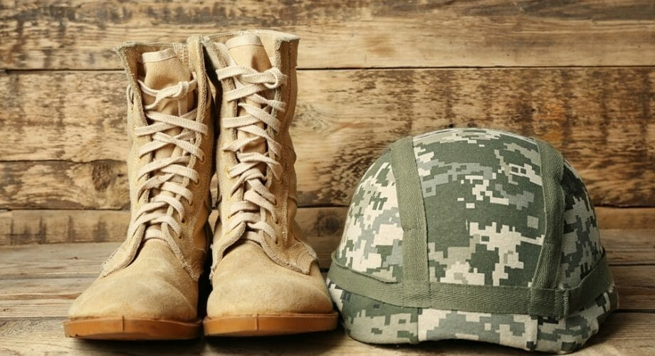 How to choose the best tactical boots?