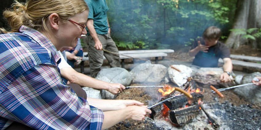 Easy Outdoor Eating Tips to Follow This Summer campfire cooking, camping food Cooking