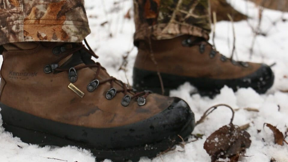 C:\Users\PC !\AppData\Local\Microsoft\Windows\INetCache\Content.Word\Ice Fishing Boots.jpg
