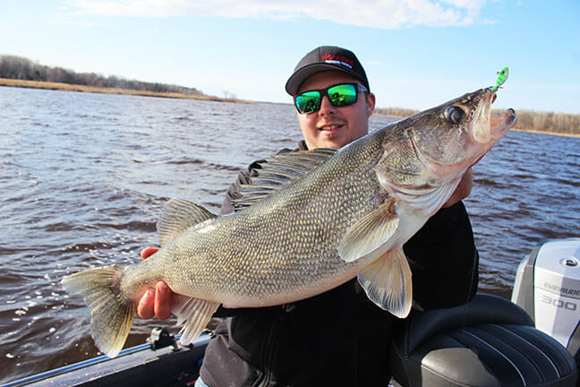 Northland's Nick Lindner Demonstrates How to Master Jig Drop Speed. fishing, fishing lures Fishing & Boating News